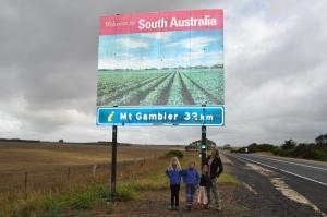 15-03-09 SA Border