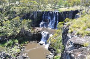 15-12-19 Ebor Falls 1